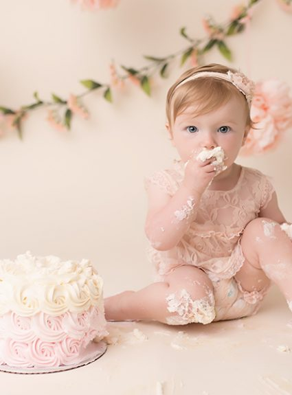 Madelyn {1 year & cake smash}