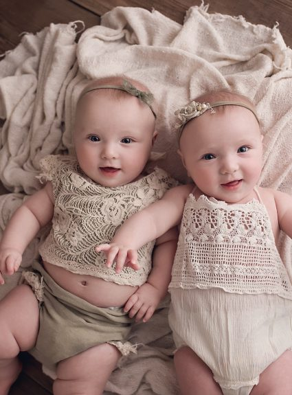 Claire & Kinsley {6 months}