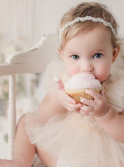 Tali {one year cupcake}